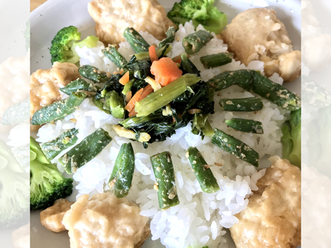 冷凍食品で構成された謎の創作料理